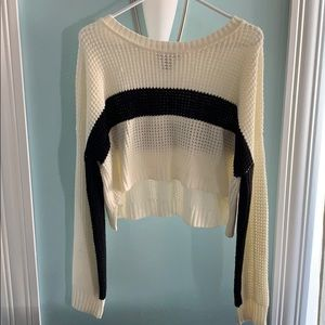 Cropped single stripe sweater